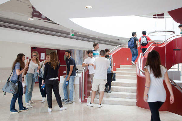Dall'Università di Navarra per una summer school in UCBM